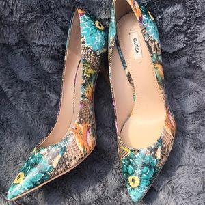 Guess heels so cute